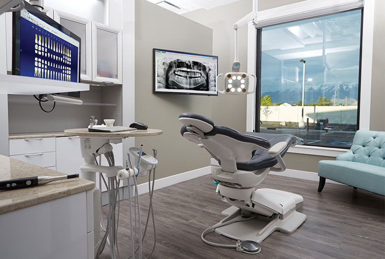Treatment Room Provide the best patient care with ergonomic equipment and efficient solutions