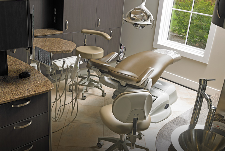 Treatment Room High quality solutions with patient comfort and ergonomics in mind
